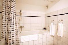 Stresemann-Haus - #Apartments - $75 - #Hotels #Germany #Dusseldorf #Golzheim http://www.justigo.com.au/hotels/germany/dusseldorf/golzheim/messeappartements-stresemann-haus_216632.html