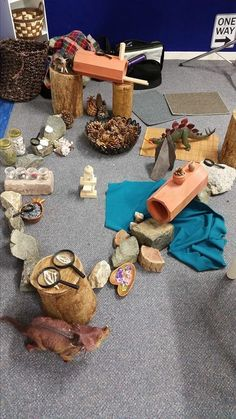 Incredible variety of loose parts! Play Based Learning, Learning Through Play, Early Learning, Reggio Emilia, Reggio Classroom, Block Area, Preschool Centers, Small World Play, Dramatic Play