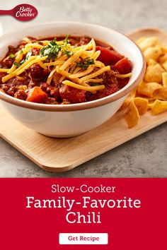 If we're calling it a family-favorite recipe, you know it's as easy to make as it is tasty to eat. Our warm chili goodness begins with the slow cooker, so you can prep in the morning before coming home to a house full of good smells and satisfying flavor. Flan Recipe, No Bean Chili, Bowl Of Soup, Soups And Stews, Crockpot Recipes, Slow Cooker, Main Dishes, Easy Meals, Favorite Recipes