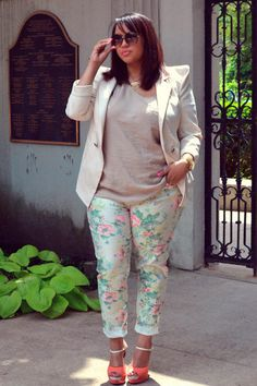 Summer outfit-flower pants-for mom