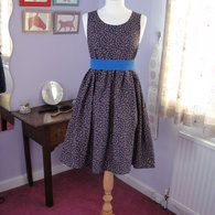 free dress pattern... like this variation without the ruffle better!