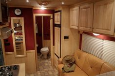gooseneck horsetrailer with living quarters