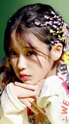 Iu Twitter, Iu Hair, Best Photo Poses, Iu Fashion, Korean Artist, Korean Actresses, Ulzzang Girl, Korean Singer, Girl Crushes