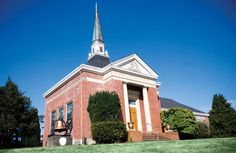 Gray Memorial Church in Warrenton, commonly known as Pioneer Presbyterian Church, is based on American Colonial designs. Austerity, Colonial, Oregon, Mansions, Landscape, Country, House Styles, Columbia, Coast