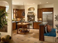 Make your kitchen cabinet designs and remodeling ideas a reality with the most recognized brand of kitchen and bathroom cabinetry - KraftMaid. Cheap Bathroom Remodel, Kitchen Remodel, Bathroom Remodeling, Bathroom Cabinetry, Oak Cabinets, Upper Cabinets, Kitchen Cabinets, New Kitchen, Kitchen Ideas