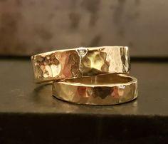 9K gouden trouwring ringen  trouwring  van VenexiaJewelry op Etsy