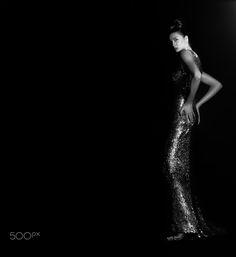 Women's fashion - Women's fashion Model:Aline Haute Couture evening dress                         Oscar de la Renta.