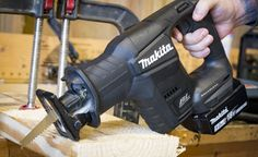 The Makita LXT Sub-Compact Recipro Saw is the latest addition to the sub-compact line of tools. So how well does it perform? We put it to the test! Carpentry Power Tools, Makita Power Tools, Cheap Power Tools, Tool Shop, Metal Working Tools, Reciprocating Saw, Black Edition, Tool Steel, Tool Design