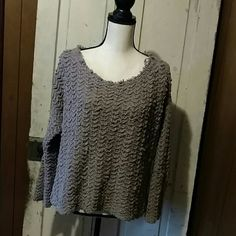 Free People Sweater Mauve colored mid sweater with raw edges. Looked great with contrasting Cami and distressed shorts or jeans. Never worn. Free People Sweaters Crew & Scoop Necks