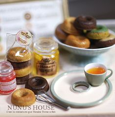 Nunu's House Miniatures.  Amazing work!  #miniatures