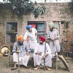 Youths of Punjab, gathering to protect and patrol the village after sunset. Punjab Culture, India Culture, Cocktail Party Outfit, Ariana Grande Drawings, Amazing India, Portrait Poses, Portraits, Indian Photography, India Travel