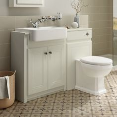 Traditional Combined Bathroom Furniture Sink Basin Vanity Unit & BTW Toilet