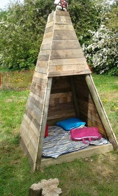 Pallet Teepee Tent for Kids
