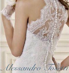Dettagli glamour .... Alessandro Tosetti Www.tosettisposa.it Www.alessandrotosetti.com #abitidasposa2015 #wedding #weddingdress #tosetti #tosettisposa #nozze #bride #alessandrotosetti