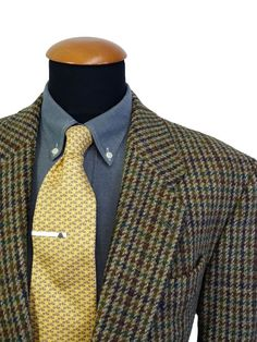 Men's Harris Tweed Wool Blazer 44R by Gross Sport Coat Houndstooth Plaid Checks #HarrisTweed #TwoButton