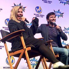 PHOTOS: David Tennant & Billie Piper At @WizardWorld Comic Con Philadelphia http://tennantnews.blogspot.com/2015/05/photos-david-tennant-billie-piper-at.html… #ConLife