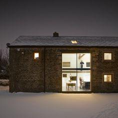 British studioSnook Architects has overhauled a dilapidated eighteenth-century barn in Yorkshire