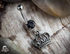 Crown Belly ring. I so wish I had a belly ring