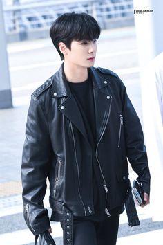 of in Bad Boy/motorcycler outfit Nu'est Jr, K Pop, Nuest Kpop, Los F4, Wheein Mamamoo, Korea, Bts Imagine, Pledis Entertainment, Jonghyun