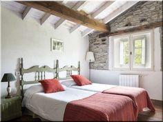 Hálószobák - Antik bútor, egyedi natúr fa és loft designbútor, kerti fa termékek, akácfa oszlop, akác rönk, deszka, palló