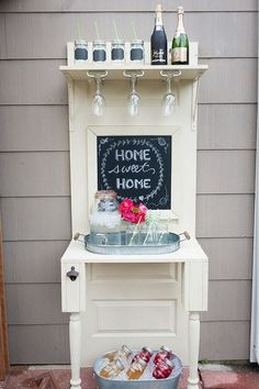 Outdoor Living Room Makeover for Small Spaces with Lowes - Diy Furniture Ideas Old Door Projects, Diy Projects, Porta Diy, Recycled Door, Recycled Tires, Outdoor Living Rooms, Tadelakt, The Doors, Backyard Makeover