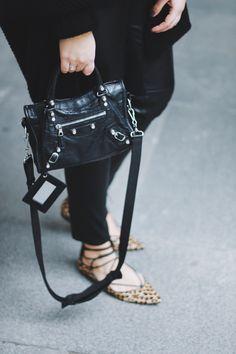 leo flats - saansh - by sandra pietras Balenciaga Classic City Bag, Balenciaga Sneakers, Balenciaga City Bag, Teen Fashion, Fashion Bags, Womens Fashion, Ballerinas, City Outfits, Luxury Bags