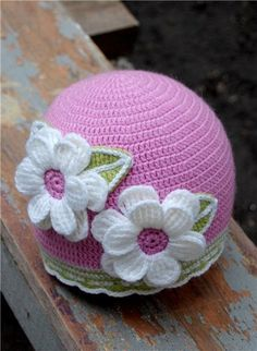 Very cute! A LOT of cute hats on this site!.