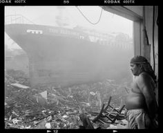 Stephen Dupont photographs the aftermath of Typhoon Haiyan. War Photography, Documentary Photography, Amazing Photography, Street Photography, Fashion Photography, White Photography, Diane Arbus, Clint Eastwood, Best Photographers