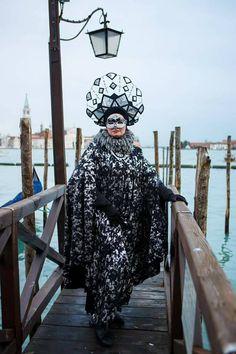 Вбрання українки вразило Венеціанський карнавал 9c4a017caab3f