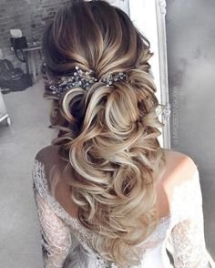 Long half up half down wedding hairstyles from mpobedinskaya #wedding #weddings... #Hairstyles #Long #mpobedinskaya #Wedding #weddinghairstyles #weddings