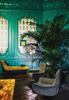Rome& Palazzo Fendi, spotted on The Wall Street Journal, layers sumptuous velvet furniture and plants reminiscent of a fern bar against a palette of rich jewel tones. -- Are These the Most Stylish Hotels in the World? Decoration Inspiration, Interior Design Inspiration, Mirror Inspiration, Decor Ideas, Luxury Interior Design, Best Interior, Fern Bar, Velvet Furniture, Mid Century Modern Lighting