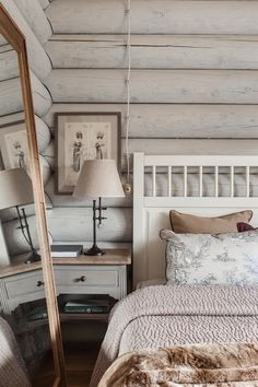 This beautiful log cabin style farmhouse was designed in 2013 by I. Interior Design, located in the sprawling countryside of Moscow, Russia. Cabin Style Homes, Log Cabin Homes, Chalet Style, Log Cabins, Log Cabin Bedrooms, Rustic Bedrooms, Log Home Interiors, Cabin In The Woods, Suites