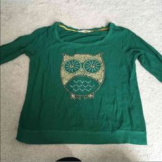 Owl knit top Worn a few times but missing a couple sequins Jolt Sweaters Crew & Scoop Necks