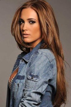 32 caramel color hair color ideas Will you be inspired by caramel hair colors? Does anyone like caramel hair colors? The color of caramel hair, which has long held . Pelo Color Caramelo, Hair Colours 2014, Trendy Hair Colors, Hot Hair Colors, Color Del Pelo, Hair Color Caramel, Dark Caramel Hair, Carmel Blonde Hair Color, Blonde Honey