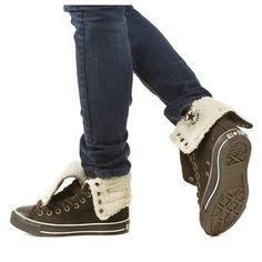 https://i.pinimg.com/236x/40/d8/0a/40d80a7b09124a7f1bf3ffd6c0225ded--brown-converse-converse-boots.jpg