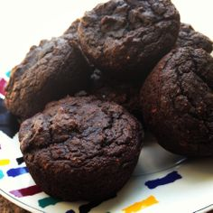 Best Muffins Yet! Paleo Chocolate Avocado Muffins Modifications omit cinnamon and add 1 tsp vanilla, also add cup dark chocolate chips, 15 minutes at made 15 mini mufins Gluten Free Muffins, Gluten Free Baking, Gluten Free Desserts, Keto Desserts, Paleo Chocolate, Chocolate Muffins, Chocolate Recipes, Chocolate Chips, Chocolate Avacado