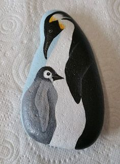 Stone Painting, Rock Painting, Painted Rock Animals, Stone Pictures, Pet Rocks, Beach Stones, Painted Stones, Pebble Art, Stone Art