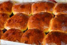 Bucte cu gem de visine - CAIETUL CU RETETE Deserts, Bread, Food, Romanian Recipes, Sweet Treats, Essen, Dessert, Breads, Baking
