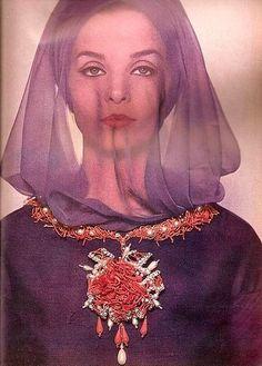 Yves Saint Laurent dress, Van Cleef & Arpels necklace. Spring 1962.