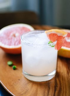 Serrano-Spiced Paloma Cocktail - tequila, lime juice, chili, grapefruit juice and club soda with a salt rim Summer Cocktails, Cocktail Drinks, Cocktail Recipes, Cocktail Tequila, Grapefruit Cocktail, Refreshing Cocktails, Party Drinks, Fun Drinks, Paloma Cocktail