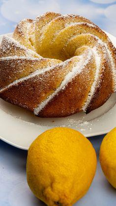 A legegyszerűbb kuglóf recept, ha így sütöd, nem ragad a formába - Ketkes.com Doughnut, Rage, Desserts, Food, Tailgate Desserts, Deserts, Essen, Postres, Meals