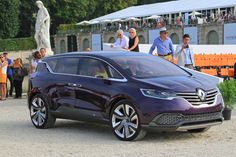 The #InitialeParis concept car has been exhibited recently at the castle of Chantilly in France. (c) C. de Plater - Droits réservés #Renault