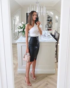 How to decorate your home to make it look expensive, according to interiors expert Lydia Elise Millen. Classy Outfits, Chic Outfits, Fashion Outfits, Womens Fashion, Night Out Outfit Classy, Summer Date Night Outfit, Fashion Clothes, Latest Fashion, Looks Chic