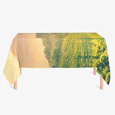 Tafelkleed Italiaans landschap   Fleur je keuken op met dit weerbestendige tafelkleed bestaande uit geweven linnen met PVC.   #tafelkleed #keukentextiel #keuken #kleed #pvc #print #opdruk #tafel #weerbestendig #italie #italiaans #landschap