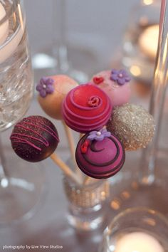 Beautiful cake pops! Especially the glittery one.