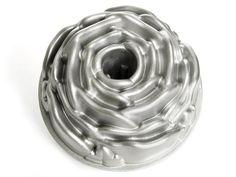 NEW Nordic Ware Rose Bundt Pan Aluminum