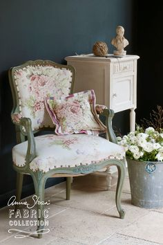 Annie upholstered this elegant French inspired chair using her Faded Roses fabric. On the cushion, she used her Gigi ticking to create a chic accent. The frame is painted using Chalk Paint® in Chateau Grey, distressed to reveal an underlying coat of Aubusson. This piece looks wonderful against the backdrop of a wall painted in Chalk Paint® in Graphite. For a lighter feel, why not try a room painted using Chalk Paint® in Scandinavian Pink or Versailles?