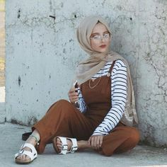 Discover the latest hijab fashion, hijab styles Burqa Designs, Abaya Designs, Modest Fashion - Muslim Fashion Hijab Fashion Summer, Modest Fashion Hijab, Niqab Fashion, Modern Hijab Fashion, Street Hijab Fashion, Hijab Fashion Inspiration, Islamic Fashion, Muslim Fashion, Modest Outfits Muslim