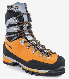 Scarpe Alpinismo Escursionismo Tecnico SCARPA MONT BLANC PRO GTX Ramponabile  44 (a volte potrebbe capitare che la scarpa ordinata non sia in magazzino perchè venduta in negozio e non ancora scaricata da ebay, in quel caso provvederemo subito al riaccredito della cifra spesa) Scarpe Alpinismo Escursionismo Tecnico SCARPA MONT BLANC PRO GTX Ramponabile  Mont Blanc Pro Gtx Scarpone da alpinismo tecnico, escursionismo alpino, percorsi misti.     Tomaia in pelle scamosciata 3mm  idrorepellente…