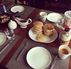 Walnuss-Banane Pancakes von Kim Brinner, Tableware, Ideas, Dinnerware, Tablewares, Dishes, Place Settings